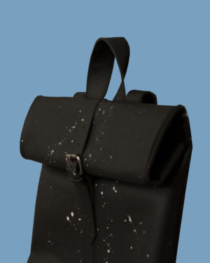 rollitbag-black-strap-side-spattered